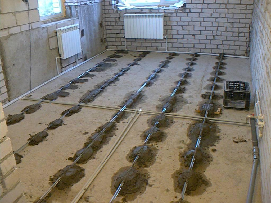 Заливка пола бетоном по маякам