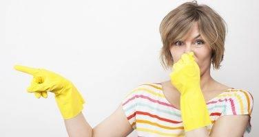 Причины возникновения и устранение запаха канализации в квартире