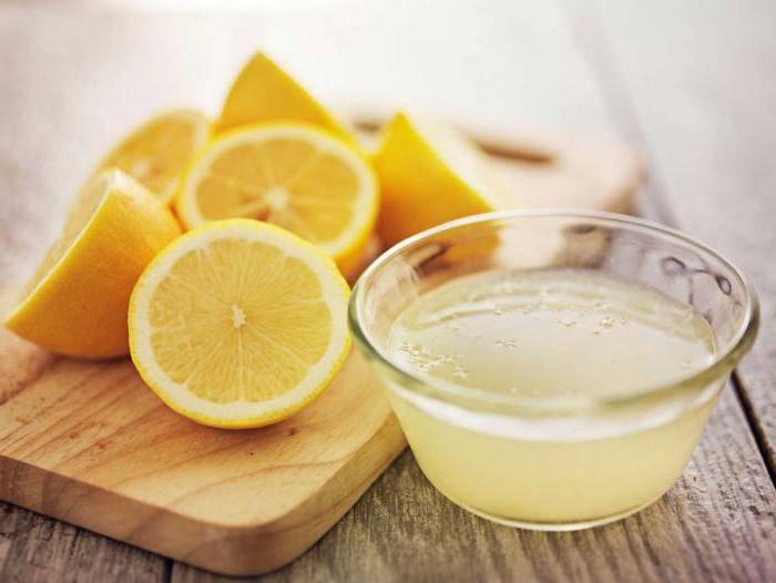 Дольки лимона и раствор