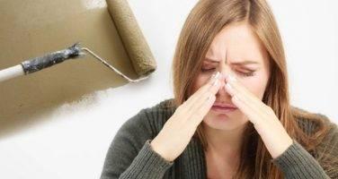 Как избавиться от запаха краски в квартире?