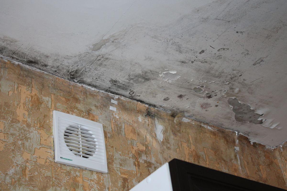 Промерзает стена чем утеплить