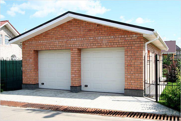 Кирпичный гараж
